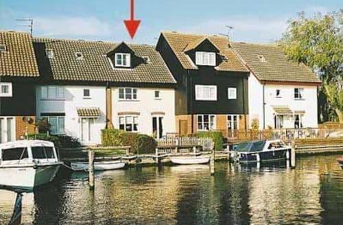 Last Minute Cottages - Adorable Wroxham Cottage S17730
