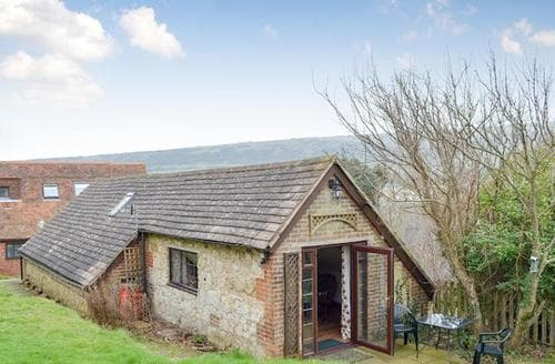 Last Minute Cottages - Inviting Freshwater Cottage S79260