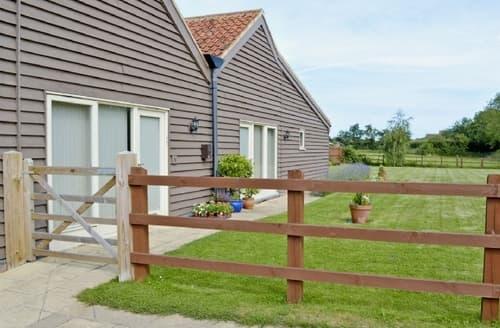 Last Minute Cottages - APPLE BARN