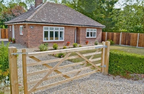 Last Minute Cottages - Lovely Wroxham Cottage S17753