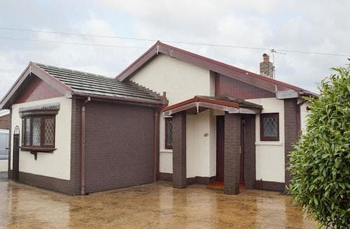 Last Minute Cottages - Attractive Swansea Cottage S79546