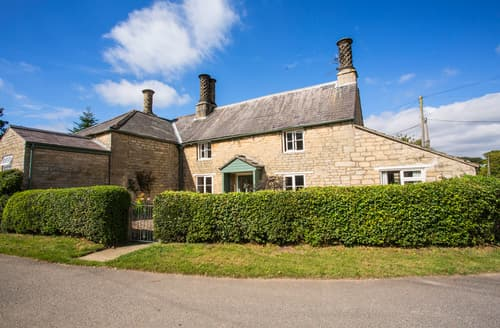 Last Minute Cottages - Quaint Burton Coggles Cottage S79583