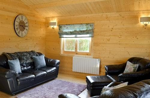 Last Minute Cottages - Attractive Barmouth Lodge S79714