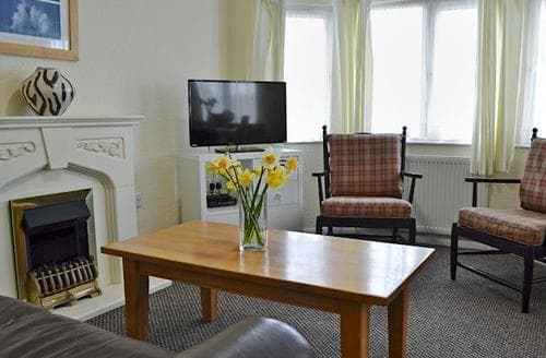 Last Minute Cottages - Delightful Sennen Lodge S79881