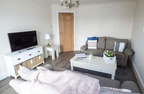 Last Minute Cottages - Quaint Blackpool Apartment S79887