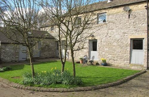 Last Minute Cottages - Luxury Tideswell Cottage S79918
