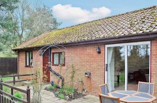Last Minute Cottages - Tasteful Bury St Edmunds Cottage S17854