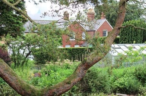 Last Minute Cottages - Charming Ruthin Cottage S80045