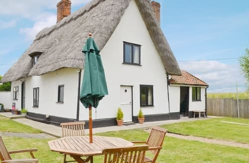 Last Minute Cottages - Stunning Bury St Edmunds Cottage S17864