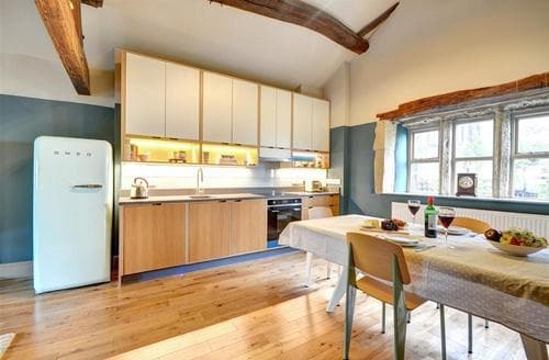 Last Minute Cottages - Quaint Hebdon Bridge Cottage S80065