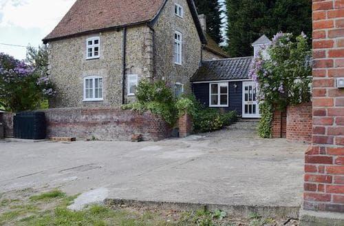 Big Cottages - Beautiful Colchester Cottage S80377