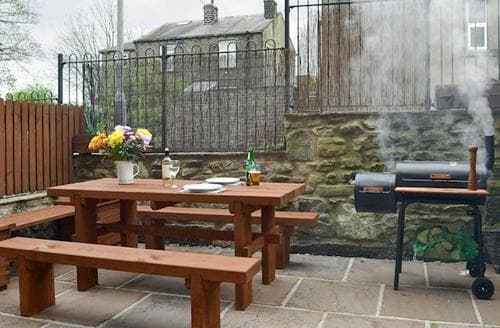 Last Minute Cottages - Stunning Haworth Cottage S80466