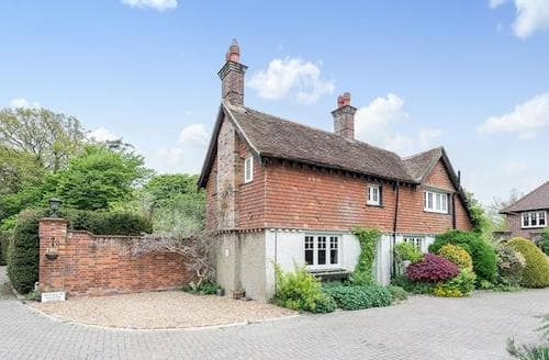 Last Minute Cottages - Attractive All Buckinghamshire Cottage S80523