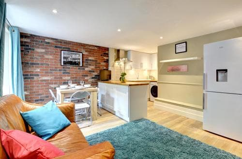 Last Minute Cottages - Beautiful Brighton Apartment S80556