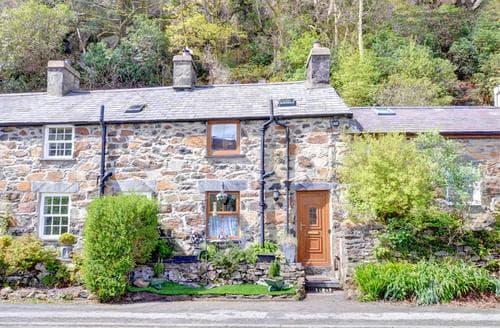 Last Minute Cottages - Mynydd Annedd Cottage