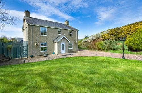 Last Minute Cottages - Quaint Abersoch Lodge S80561
