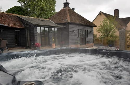 Last Minute Cottages - Lovely Dunmow Cottage S80698