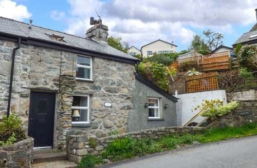 Last Minute Cottages - Castell Criws