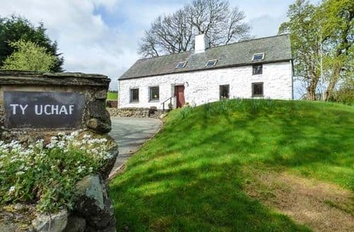 Last Minute Cottages - Cosy Llangwm Cottage S80735