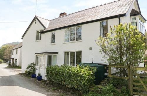 Last Minute Cottages - Charming Llanarmon Dyffryn Ceiriog Cottage S80805