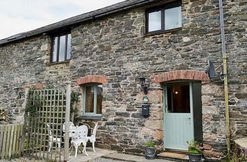 Last Minute Cottages - The Swallows