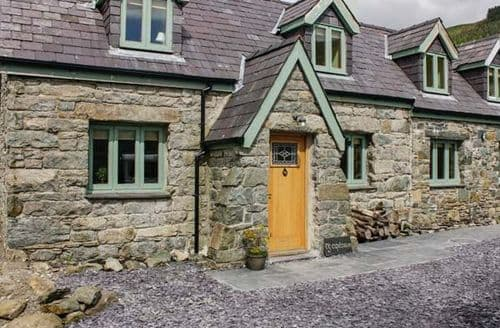Last Minute Cottages - Ty Capel Saron