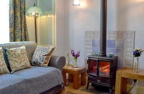 Last Minute Cottages - Inviting Hastings Cottage S81029