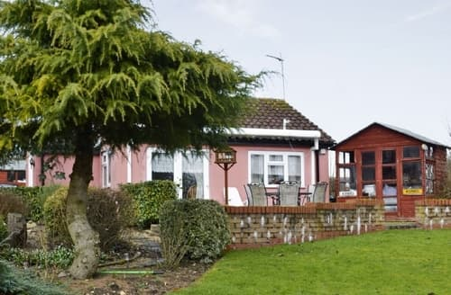 Last Minute Cottages - Excellent Stowmarket Lodge S18027