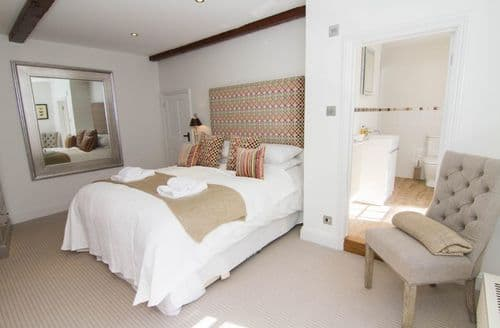Last Minute Cottages - Captivating Thornham Cottage S71111