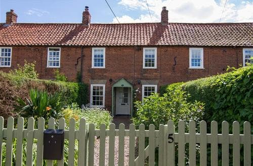Last Minute Cottages - Inviting Kirton Cottage S71222