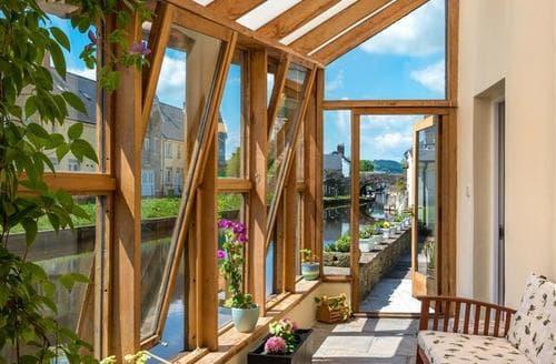 Last Minute Cottages - Swan Bank Cottage