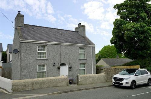 Last Minute Cottages - Gorgeous Amlwch Cottage S81250