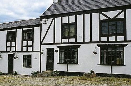 Last Minute Cottages - Exquisite Chester Cottage S18145