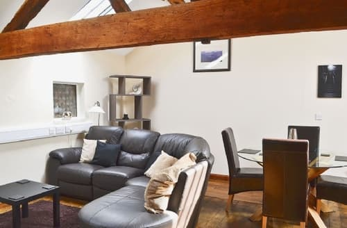 Last Minute Cottages - Wonderful Chester Apartment S18156