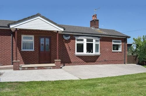 Last Minute Cottages - Gorgeous Blackpool Cottage S81344