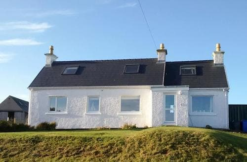 Last Minute Cottages - Quaint All Outer Hebrides Cottage S81389