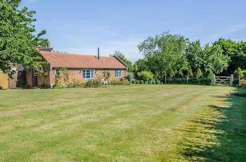 Last Minute Cottages - Quaint Colchester Cottage S81465