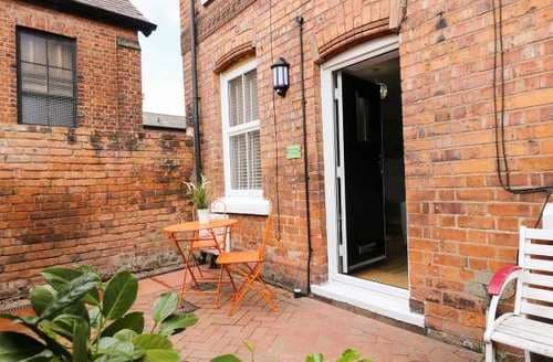 Last Minute Cottages - Charming Blacon Cottage S81577