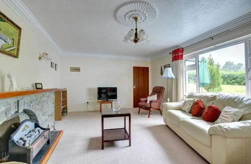 Last Minute Cottages - Luxury  Cottage S81798