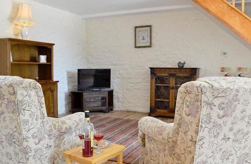 Last Minute Cottages - Cosy Swansea Cottage S81955