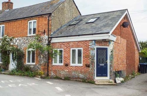 Last Minute Cottages - Delightful Netheravon Cottage S81996