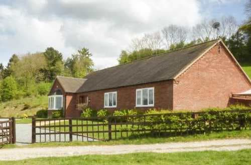 Last Minute Cottages - Applewood