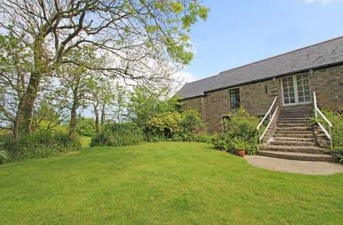 Last Minute Cottages - Charming Cornwall Apartment S82323