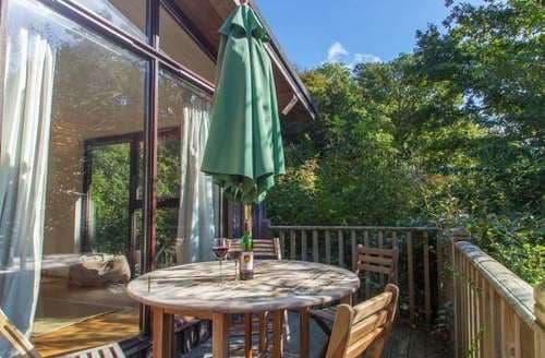 Last Minute Cottages - Superb South Hams Lodge S82384
