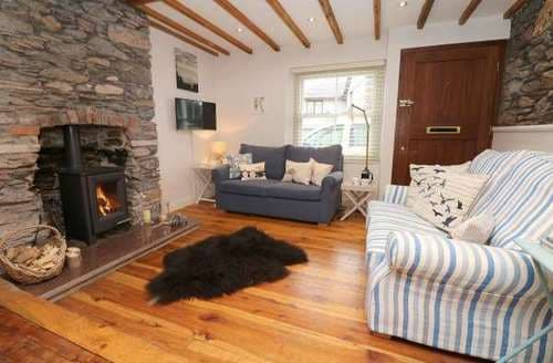 Last Minute Cottages - Beautiful Cargreen Cottage S82594