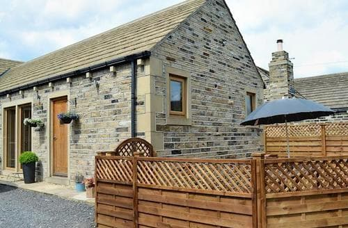 Last Minute Cottages - The Lodge at Broom Close