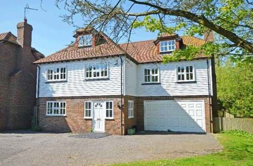 Big Cottages - Lovely Pett Cottage S82708