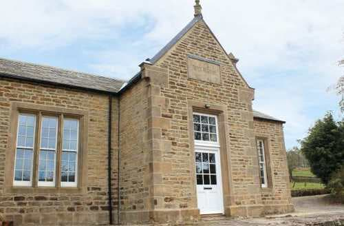 Last Minute Cottages - The Old Boys School