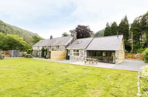 Big Cottages - Stunning Llanelltyd Cottage S82783