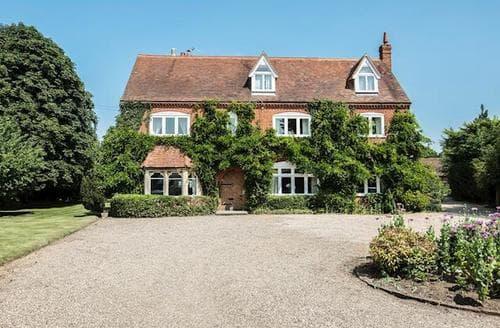 Big Cottages - Superb All Surrey Cottage S82853